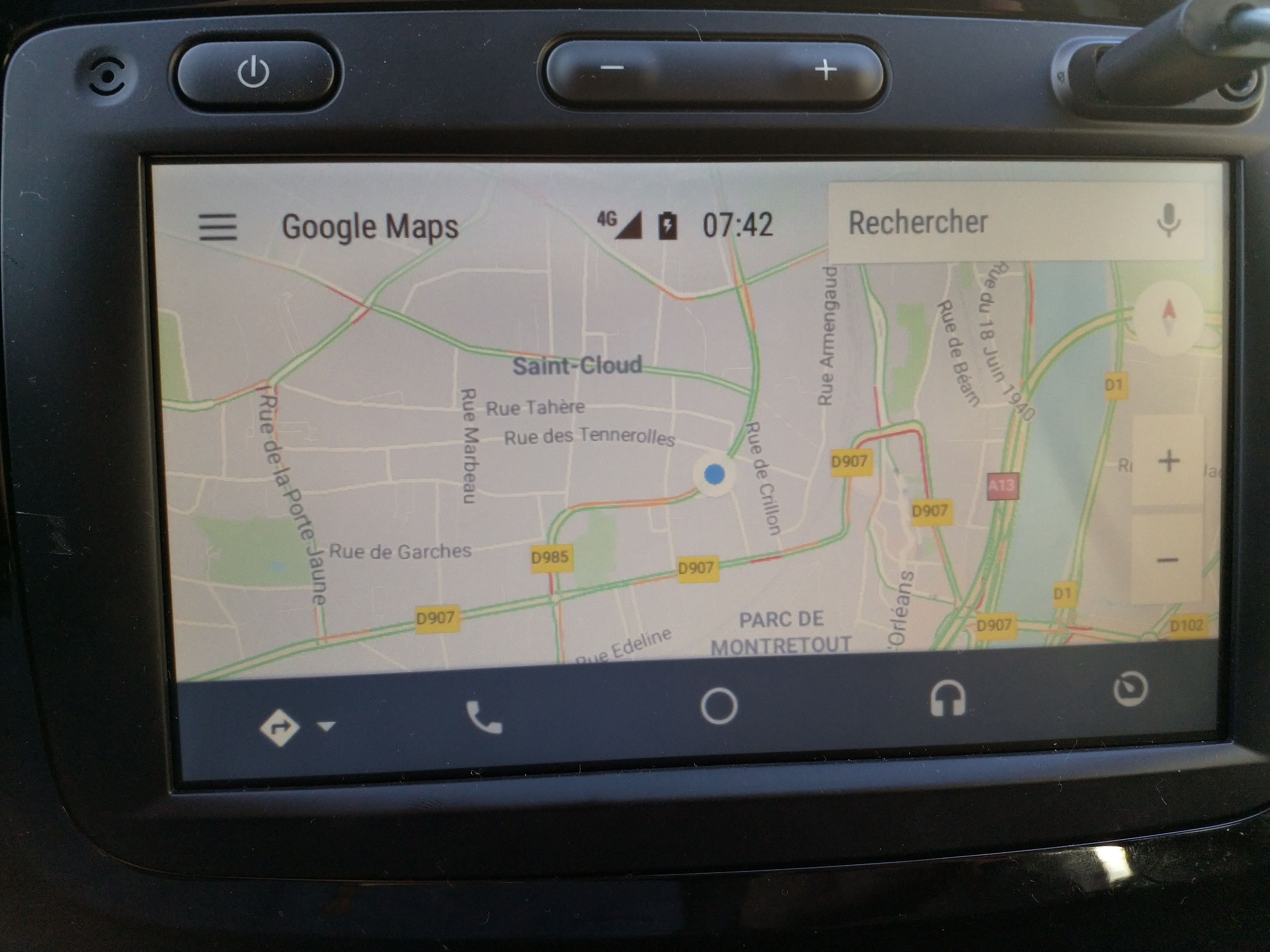 Review Medianav Evolution v2 with Android Auto and Carplay – GPS R-Link